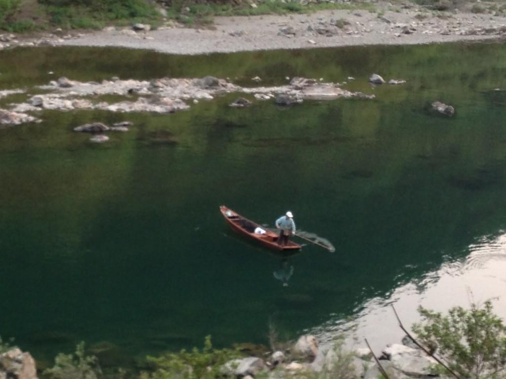 川舟と漁師