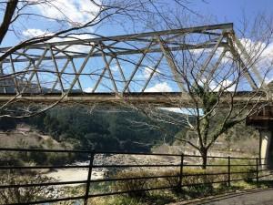 鉄道橋と川