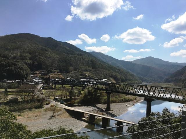 四万十川に架る三島鉄橋