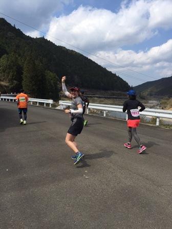 桜マラソンランナー