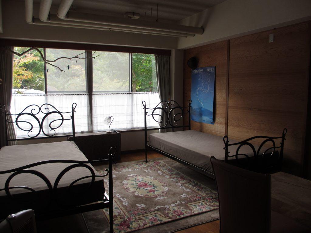 二人部屋ベッド