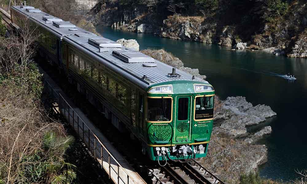 四国千年ものがたり列車