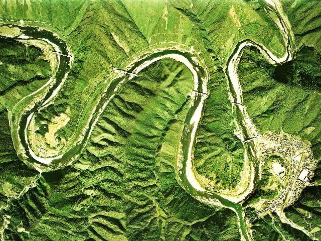 四万十川の蛇行